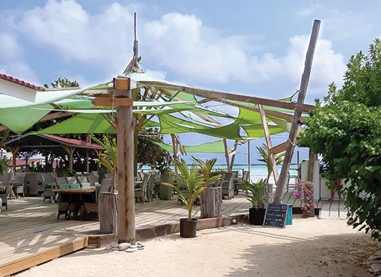 sorobon-beach-resort-easter-beach-bar-1